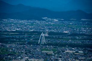 空撮:138タワーと川島PAの写真素材 [FYI01490316]