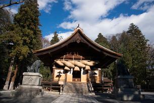 諏訪大社下社秋宮神楽殿の写真素材 [FYI01491276]