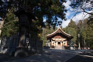 諏訪大社下社秋宮神楽殿の写真素材 [FYI01491399]
