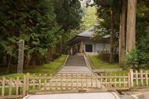 中尊寺金色堂の写真素材 [FYI01491602]