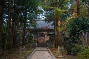 中尊寺弁慶堂の写真素材 [FYI01492135]