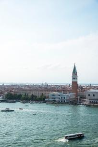 サン・ジョルジョ・マッジューレ島サン・ジョルジョ・マッジューレ教会からサン・マルコ運河とヴェネツィアの写真素材 [FYI01492243]