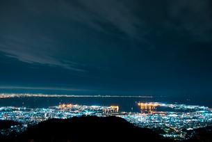 六甲山から芦屋阪神平野神戸市方面夜景の写真素材 [FYI01493042]