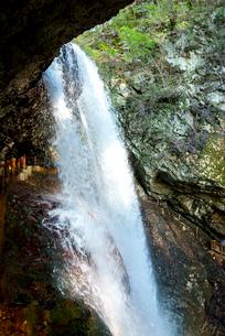 雷滝の写真素材 [FYI01493885]