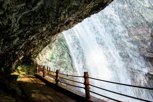 雷滝の写真素材 [FYI01493886]