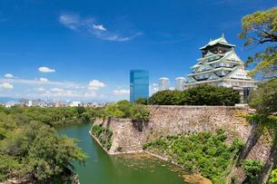 大阪城と大阪ビジネスパークの写真素材 [FYI01496537]