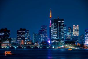 豊洲より東京夜景の写真素材 [FYI01496646]