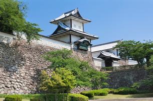 金沢城と石川門の写真素材 [FYI01497629]