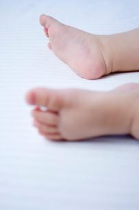 赤ちゃんの足の写真素材 [FYI01498464]