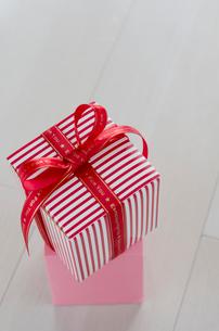 バレンタインのギフトボックスの写真素材 [FYI01498921]