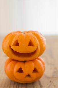 かぼちゃのジャックオーランタンのハロウィングッズの写真素材 [FYI01499080]