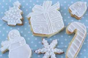クリスマスイメージのアイシングクッキーの写真素材 [FYI01499168]