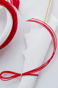 正月の祝い箸と水引きの写真素材 [FYI01499209]