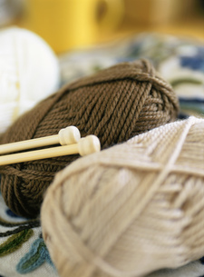 毛糸と編み棒の写真素材 [FYI01499333]
