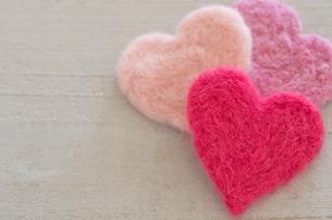 ハートのバレンタインニードルフェルトの写真素材 [FYI01499349]