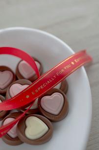 ハートのバレンタインチョコレートの写真素材 [FYI01499358]