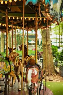 ブライアント・パークの回転木馬の写真素材 [FYI01499767]