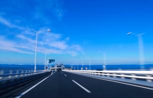 海蛍付近の東京湾アクアラインの写真素材 [FYI01499929]