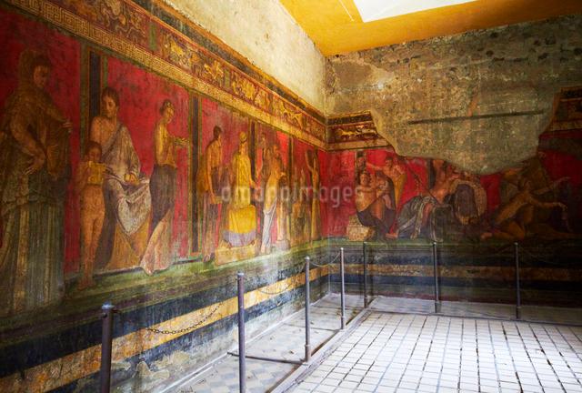 ポンペイ遺跡・秘儀荘の壁画の写真素材 [FYI01500242]