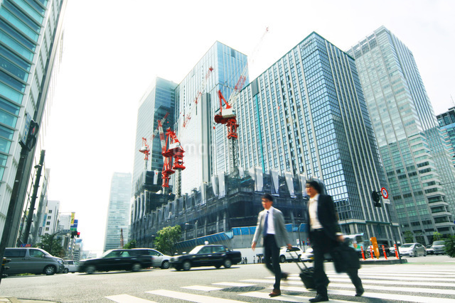 変わるビジネス街の写真素材 [FYI01500266]