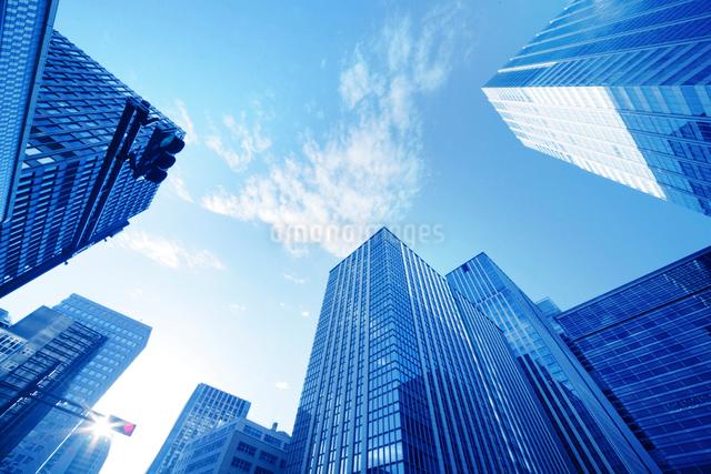 ビジネス街の朝の写真素材 [FYI01500911]