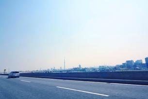 スカイツリーと高速道路の写真素材 [FYI01501022]