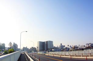 朝の街並みの写真素材 [FYI01501303]