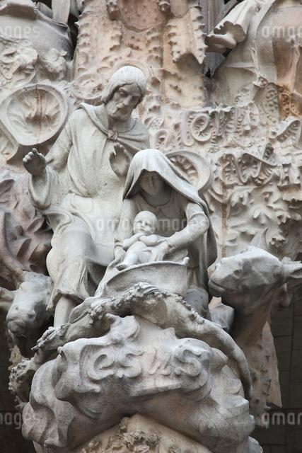 サグラダ・ファミリア外壁の彫刻の写真素材 [FYI01501683]