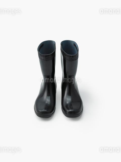 黒い長靴の写真素材 [FYI01501692]