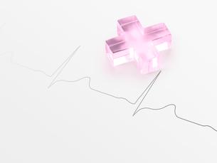 ピンクのクロスと薬心電図の写真素材 [FYI01501759]