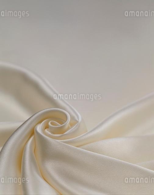 黄のシルク素材の写真素材 [FYI01501772]