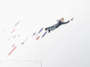 グラフとビジネスマンの写真素材 [FYI01502119]