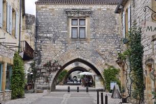中世の村のアーケイドの写真素材 [FYI01504117]