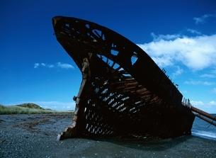 難破船の写真素材 [FYI01504286]