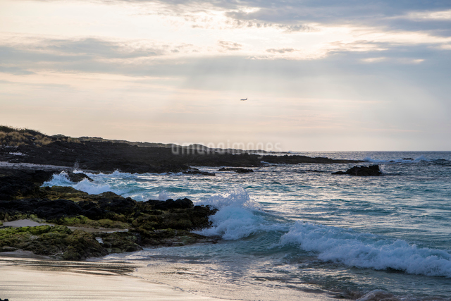 海と飛行機の写真素材 [FYI01505115]