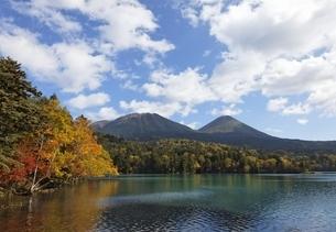 Lake Onnetoh, autumn colorsの写真素材 [FYI01506585]