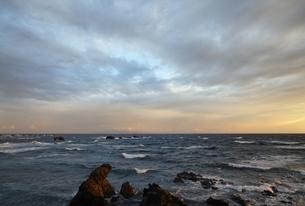 Japan Sea Coast, Cape Shirakami, waves, rocksの写真素材 [FYI01506699]