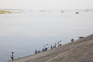 Tonle Sap & Mekong River, people, angler, Phnom Penhの写真素材 [FYI01506714]