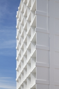 high-rise building, white, blue, Georgetown, Penang, Malaysiaの写真素材 [FYI01506729]