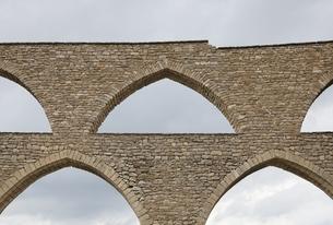 Arcs de Santa Llucia, aqueduct, arches, Morella, Spainの写真素材 [FYI01506741]