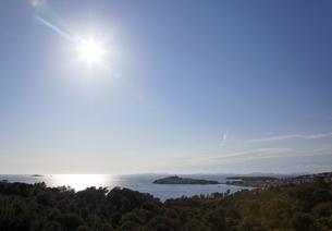 village, coast, sun, Primosten, Dalmatia, Croatiaの写真素材 [FYI01506763]