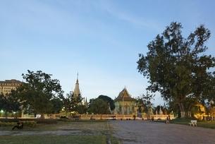 temple, Phnom Penh, Cambodiaの写真素材 [FYI01506909]