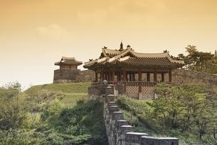 Bangwa Suryujeong Pavilion, Hwaseong Fortress, Suwonの写真素材 [FYI01507013]
