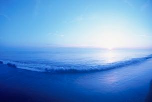 朝日と海の写真素材 [FYI01507398]