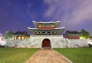 Pungnammun Gate, Jeonju, Koreaの写真素材 [FYI01507741]