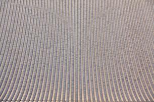 浅草寺の屋根の瓦のパターンの写真素材 [FYI01508488]