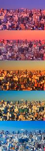 浅草から望む五色に変化する富士山と新宿方向のビル群,朝昼景の写真素材 [FYI01508621]