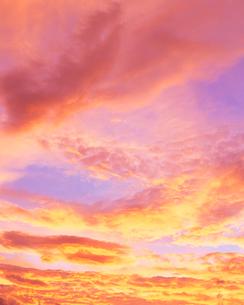 朝焼けの空の写真素材 [FYI01509985]