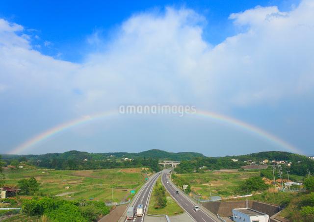上信越道と虹の写真素材 [FYI01510716]