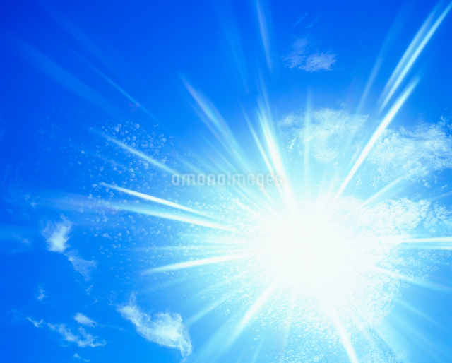 太陽の光芒の写真素材 [FYI01511214]